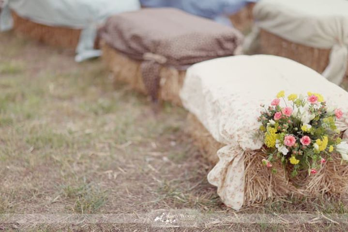 Cute up the hay, hay for a seat, seats for a Ceremony. #wedd...